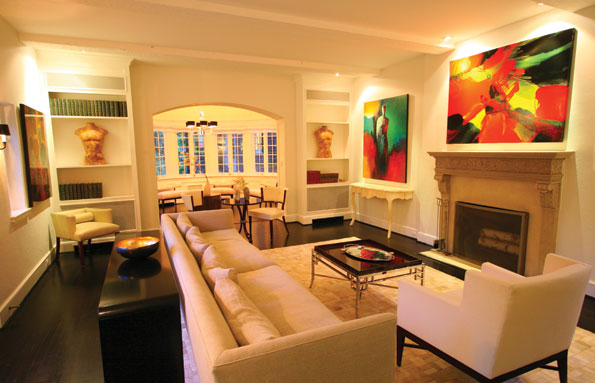 The formal living room and orangerie are good examples of the dramatic effect of artwork in a space where other accessories are kept to a minimum.