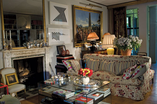 The Living Room S Eclectic English Country House D Cor Is Evidenced By The