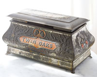 Julie Chen - the wife of Representative Frederick Chien (1983-1988) - reportedly discovered this metallic box in an Egyptian bazaar