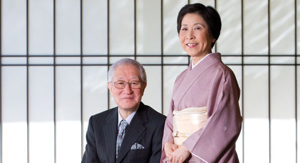 Ambassador Kato and Mrs. Kato in the Grand Salon, which is characterized by an autumn theme and sliding paper doors.