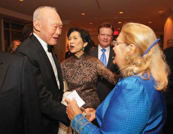 Statesman Lee Kuan Yew greets Esther Coopersmith as Ambassador  of Singapore Chan Heng-Chee and Sen. Jim Webb look on. (Photo courtesy US-ASEAN Business Council)