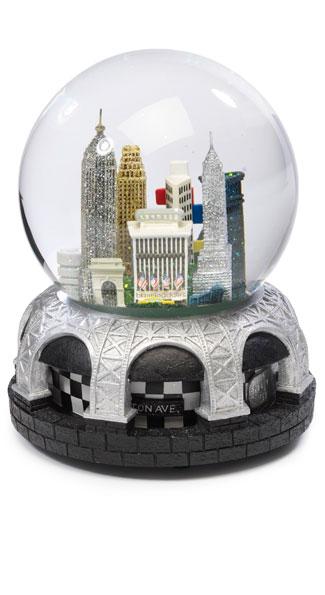 Bloomingdale's New York snowglob ($50)