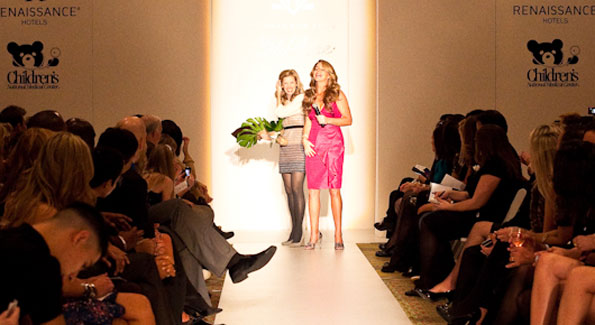Lela Rose and host Mary Amons. (Photo by Anchyi Wei)