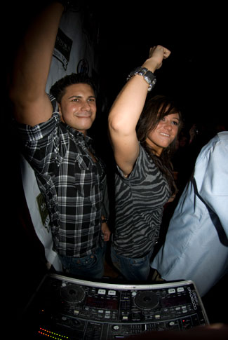 Pauly D & JWoww lead a fist pump contest at McFadden's in Foggy Bottom