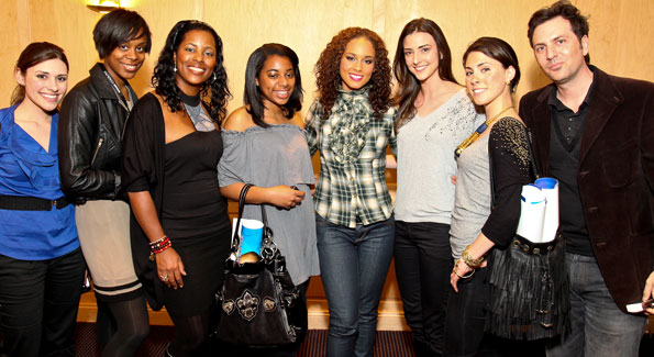 Alicia Keys with some of the area's top writers and bloggers. (Photo by Tony Powell)