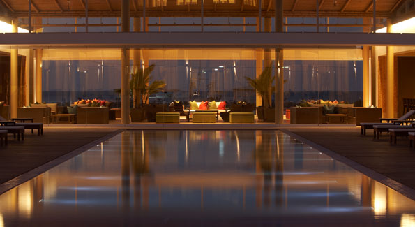 Hotel Paracas, a Luxury Collection Resort is the perfect place to rest in the Peruvian coast, traveling 3 hours by car or 45 minutes by plane from Lima. It is located near a nature reserve where you can admire marine life (sealions, flamingos, dolphins, penguins) and where the Paracas culture flourished nearly two millennia before the Incas.