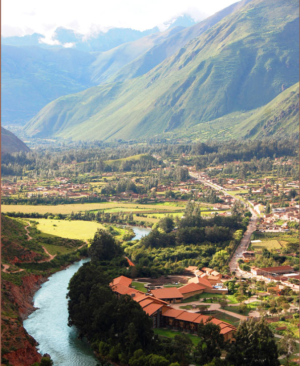 Nestled in the Sacred Valley, just 50 minutes from the city of Cusco, Tambo del Inka is the best hotel in Peru from which travelers can reach Machu Picchu, the mystical Inca citadel.  This spectacular resort & spa invites you to relax and indulge the senses, offering unparalleled service and limitless opportunities of discovery for groups, weddings, meetings and incentive travel around Peru.