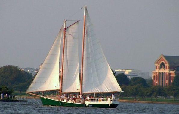 """""""American Spirit"""" schooner"""