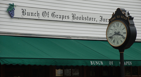 Bunch of Grapes Bookstore, Vineyard Haven