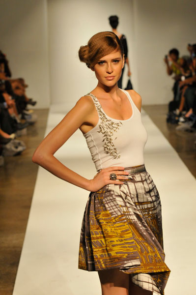 Korto Momolu S/S 2011. Photos courtesy of Vithaya Phongsavan for SVELTE, LLC.