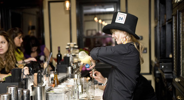 Bartender mixes up cocktails at DC launch of Beefeater 24. Photo by Max Krupka, Washington Executive Photographic Services for Beefeater 24.