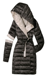The Spring Cube coat combines versatile functionality with luxury and comfort.