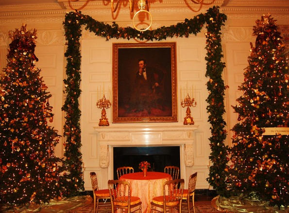 Beautiful decor in the State Dining Room at the White House. Photo by John Arundel.