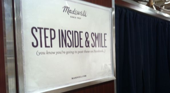 Madwell Photo Booth. Image courtesy of Lindsey O'Neill.