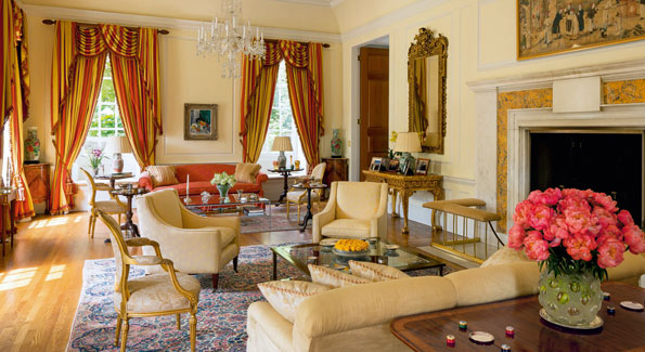 The drawing room of the British Ambassador's residence (Photo by Eric Sander from 'The Architecture of Diplomacy')